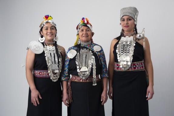 Primera exposición de platería tradicional mapuche en el Museo de Arte Precolombino
