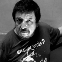 Mauricio Redolés & Los Descuentos en concierto en Centro Cultural Casona Nemesio Antúnez, 9 de julio