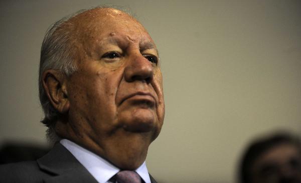 Empresario que demandó a Barrick Gold por proyecto Pascua Lama pide que Ricardo Lagos declare como testigo