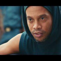 [VIDEO] Ronaldinho protagoniza polémico spot en una favela para Río 2016