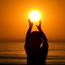 La luz solar, una terapia natural para la salud del sistema inmune y óseo