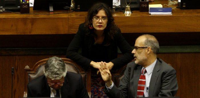 Peña dice que discrepancia entre diputada Vallejo y ministro Valdés evidencia la tensión entre la política y la economía