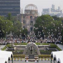 Hiroshima conmemora 71 años de la bomba atómica llamando a imitar a Obama