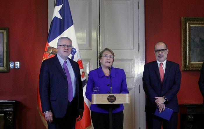 Bachelet y Valdés apuestan a sacar rédito político del éxito de Pacheco en licitación eléctrica