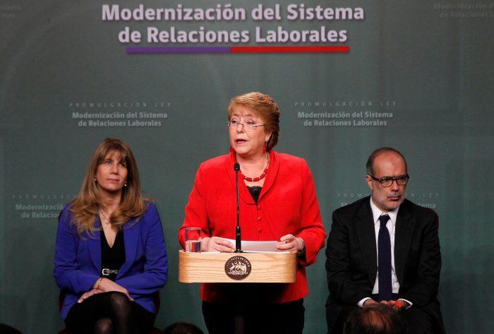 Presidenta promulga la ley que moderniza el sistema de relaciones laborales