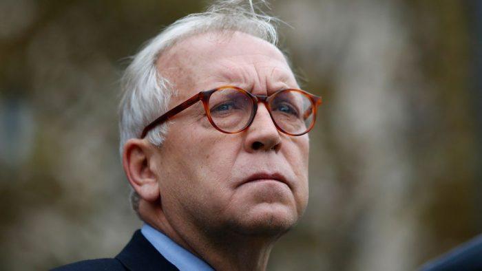 Burgos solo hace política en los medios: declina petición de Goic de competir en la parlamentaria