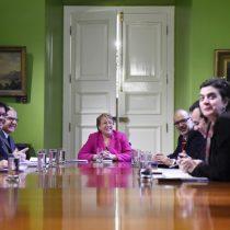 Bachelet da un paso histórico para reformar pensiones que rompería por primera vez la capitalización individual del sistema de AFP