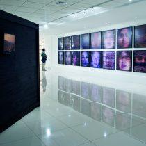 Veinte artistas se toman el MAC para mostrar el estado de la fotografía en Chile