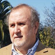 """Candidato a alcalde de Vitacura promete el fin de las reelecciones: """"Es hora de desatornillar a quienes se han perpetuado en el poder"""