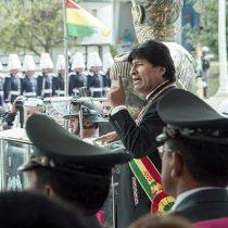 Evo Morales abre escuela militar para combatir