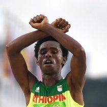 Recaudan 50 mil dólares para que medallista etíope pueda pedir asilo tras denunciar represión en contra de su etnia
