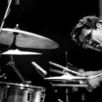 Charla gratuita de Andrés Celis, productor de discos nominados a premios Grammy en Balmaceda Arte Joven, 30 de agosto