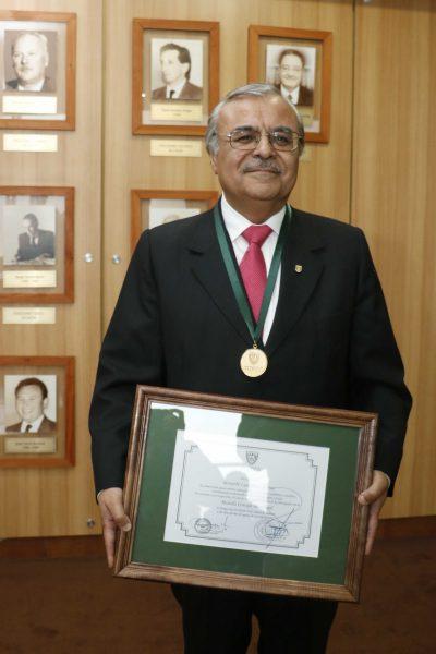 Homenaje vicerrector Bernabe Rivas 3