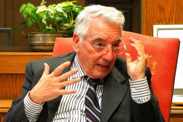 Ex presidente de Habitat a José Piñera:
