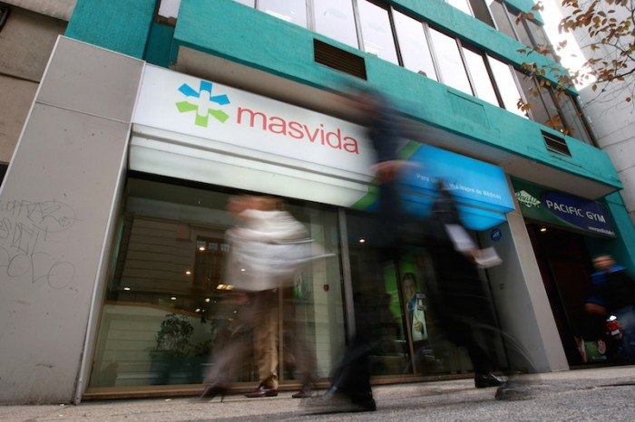 Cuatro actores entran en disputa por Masvida y buscan negociar directamente con accionistas