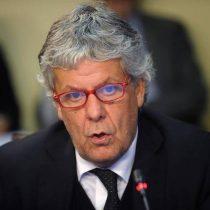 Ministro Eyzaguirre reacciona a pataleta de Delpiano: