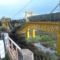 [VIDEO] Tren de carga cae al río Toltén luego del colapso de un puente ferroviario en Pitrufquén