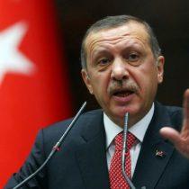 Erdogan acusa a Occidente de apoyar terrorismo y golpe militar