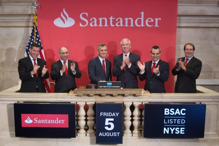 Ventas cortas de acciones de Santander Chile se disparan ante posibilidad que matriz venda paquete de acciones
