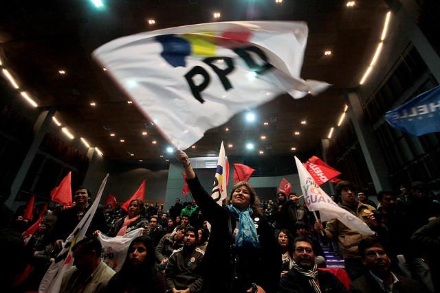 """""""Vamos a entregar una carta en el PPD para demostrar el tremendo prontuario de sus militantes en el negocio de la educación"""""""