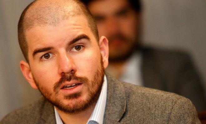 Giorgio Jackson apoya propuesta del PC de adelantar elecciones: