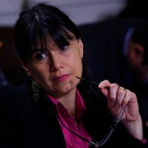 Oposición comienza a recolectar firmas para acusación constitucional contra Javiera Blanco