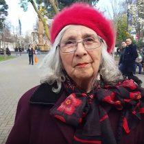 [VIDEO] Pensionada que se encadenó en AFP envía mensaje a José Piñera