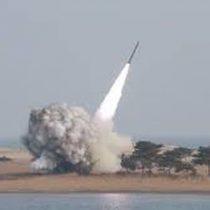 Corea del Norte eleva tensión al disparar misil al mar de Japón