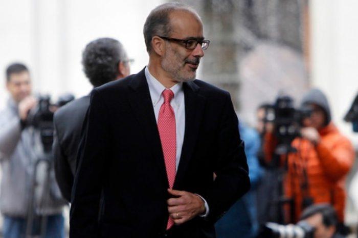 Valdés a full: miércoles se reúne con AFP para discutir reformas y por la tarde presenta su nuevo plan para regular industria financiera