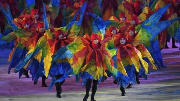 Las escuelas de samba más populares de Río de Janeiro son parte de la ceremonia de clausura de las Olimpiadas.