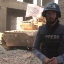 [VIDEO] Tanque explota mientras periodista despacha en directo