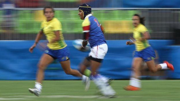 Nathalie Marchino jugó con la selección de Colombia en el torneo de rugby 7. Tiene un empleo de mercadeo en Twitter, en California.