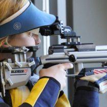 La estadounidense Ginny Trasher sorprende y gana la primera medalla de oro de Río 2016