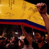 Colombia acaricia la ansiada paz con el acuerdo final entre Gobierno y FARC