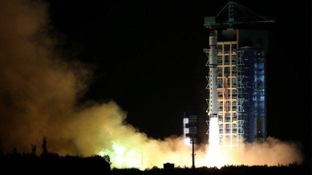 El satélite fue lanzado desde el desierto de Gobi a las 1:40 am hora local.