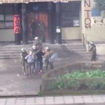 [VIDEO] Violento enfrentamiento con Fuerzas Especiales en la Universidad de Concepción