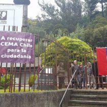 [VIDEO] Vecinos se tomaron la sede de CEMA Chile en Concepción para exigir traspaso de propiedades a organizaciones sociales