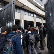 Cadem: 62% en desacuerdo con que el Instituto Nacional siga siendo un colegio para hombres