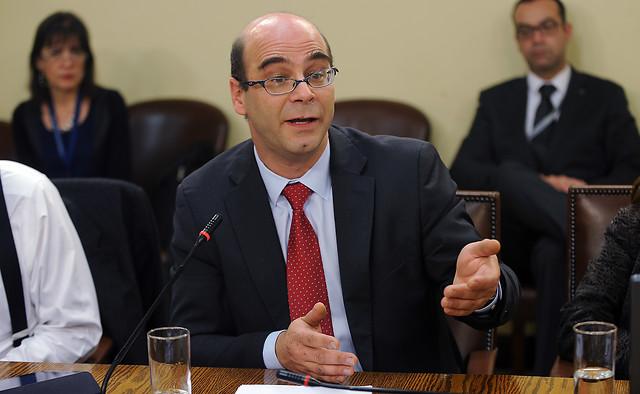 """Razón bruta"" revolucionaria. Respuesta a Fernando Atria (III)"