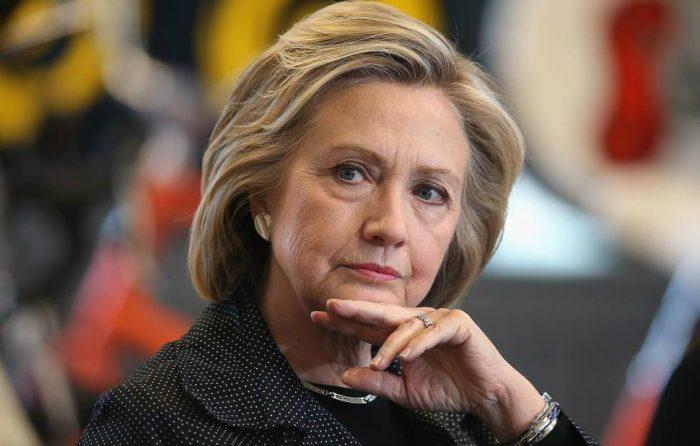 La desesperación del establishment: Clinton pide a los demócratas unión y capitalizar el descontento con Trump