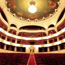 Teatro Municipal de Santiago tendrá nueva imagen
