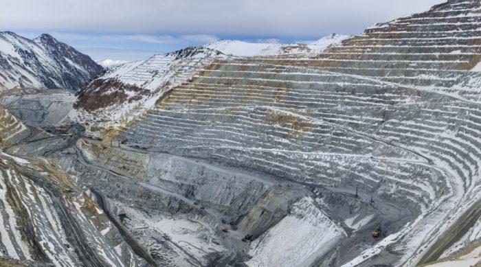 Grupo Luksic celebra fuerte reducción de costos en Antofagasta Minerals y siembra nuevas dudas sobre el futuro de Alto Maipo