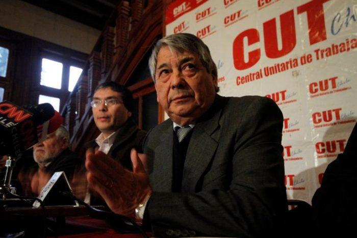Martínez acusa a sector ligado a Bárbara Figueroa de alterar documentos para poder participar en elecciones de la CUT