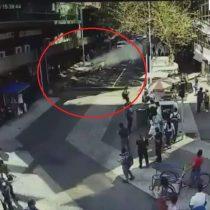 [VIDEO] El momento exacto cuando el chofer pierde el control de la camioneta tras caída de escombros del Eurocentro