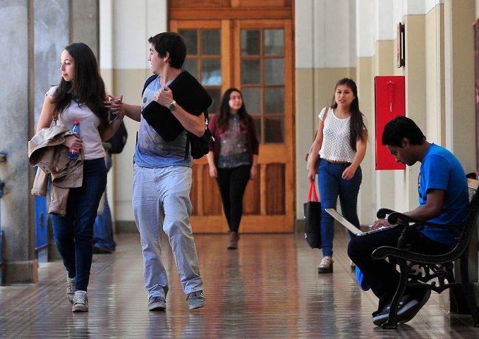 Informe de CINDA dice que Chile tiene la tasa de escolarización en educación superior más alta de América Latina