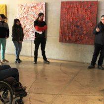 Biblioteca de Santiago firma convenio que promueve programación cultural inclusiva