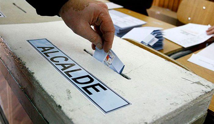 Comicios locales en Chile marcados por error en padrón electoral y temor a la abstención