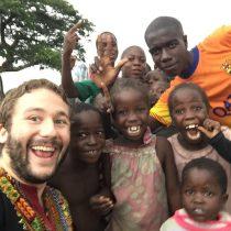 Abren convocatoria a médicos para voluntariado en África