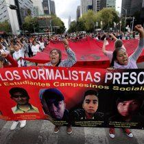 Miles de mexicanos piden justicia en segundo aniversario de Ayotzinapa