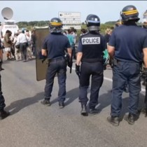 [VIDEO] Londres anunció que levantará un muro de 4 metros para evitar que inmigrantes crucen el Canal de la Mancha